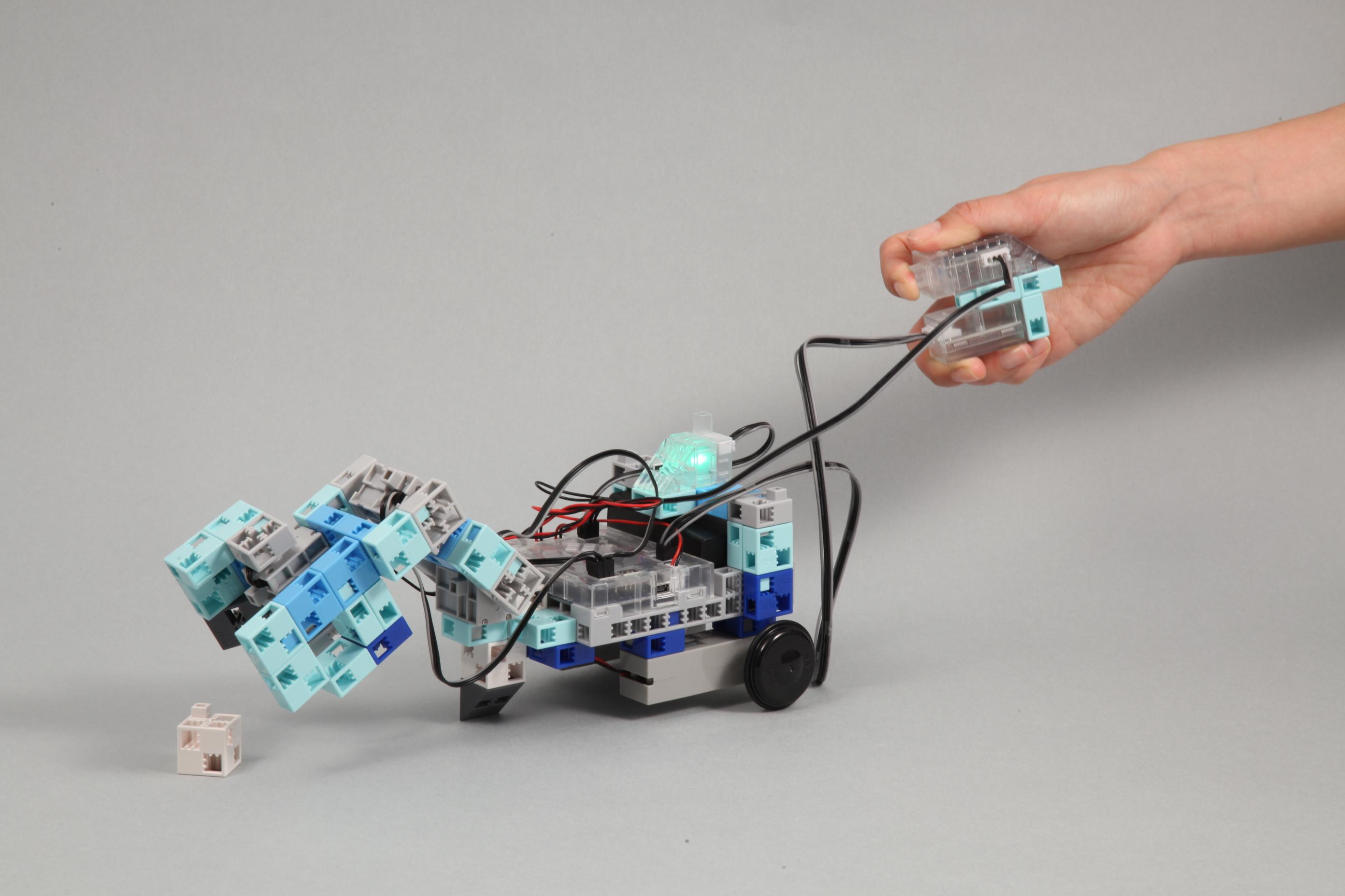 1-12arm_ballput_robot